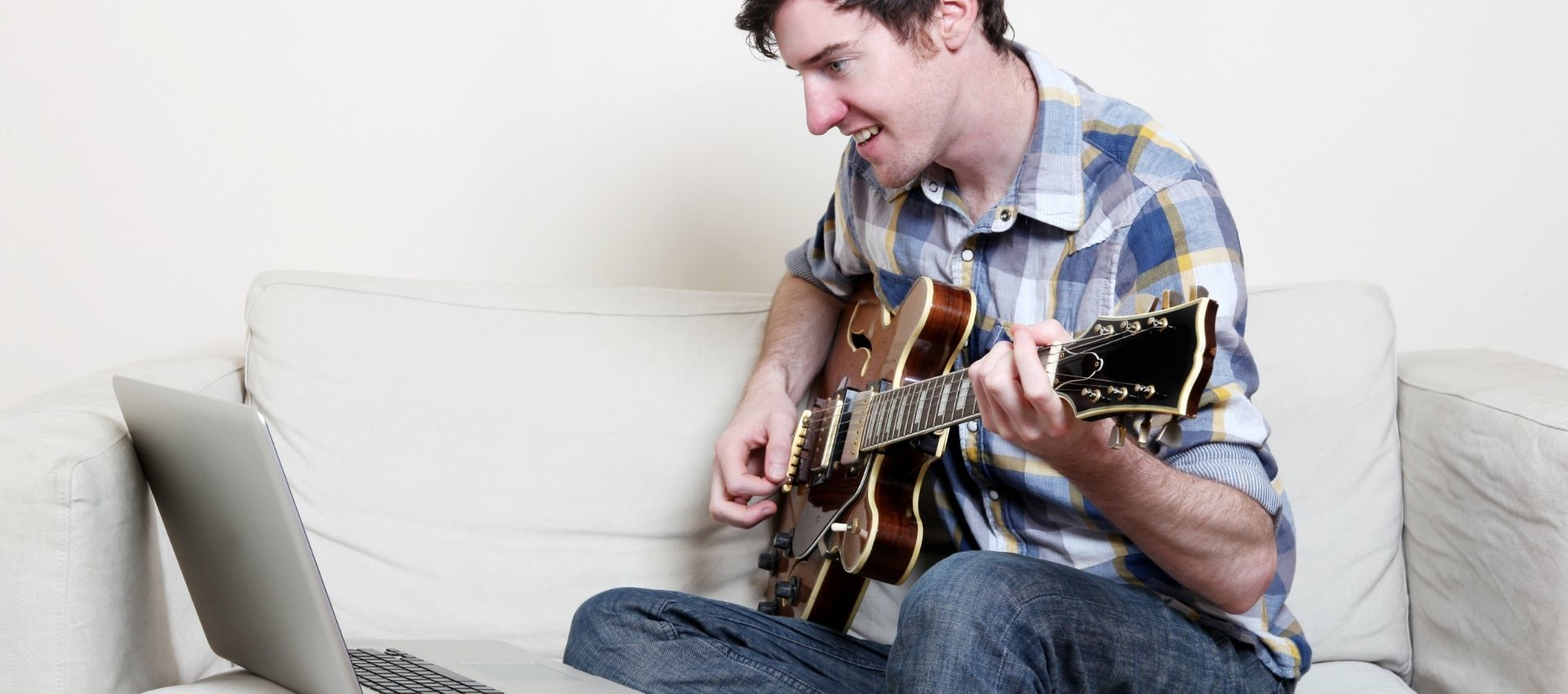 LL Blog How To Learn From Video Guitar Lessons More Effectively